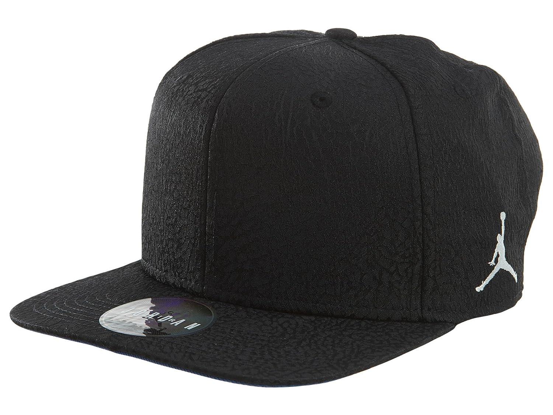 more photos f342c 181d3 Nike Mens Jordan 3 Retro Snapback Hat Black White 802029-010  Amazon.ca   Jewelry