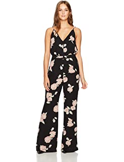 ab7448c3336f Amazon.com  cupcakes and cashmere Women s Lima V-Neck Jumpsuit with ...