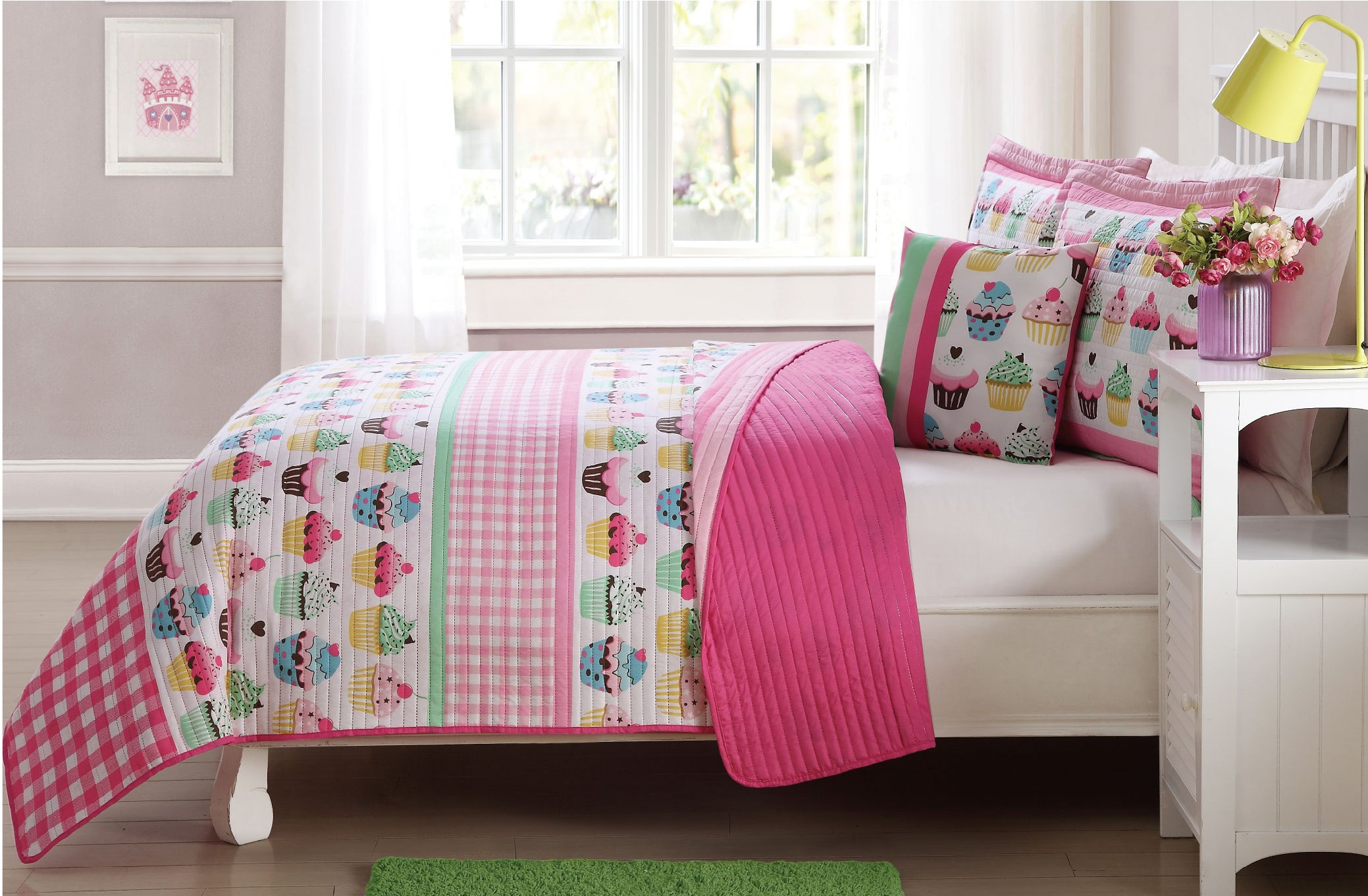 Elegant Home Cupcakes Striped Multicolors Pink White Green Blue Cozy Colorful 3 Piece Quilt Bedspread Set Decorative Pillow Kids/Girls # Cupcake (Twin Size)