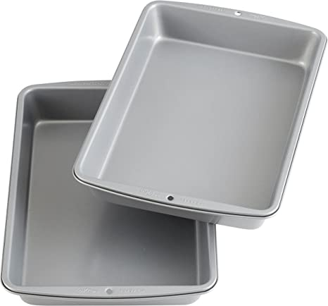 Wilton Recipe Right Non-Stick 9 x 13-Inch Oblong 2 Cake Pan Multipack, 2-Pack, Assorted