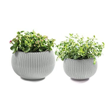 Keter Cozies Plastic Planters Set of 2, Knit Texture, Small & Medium Pots with Removable Liners, Oasis White