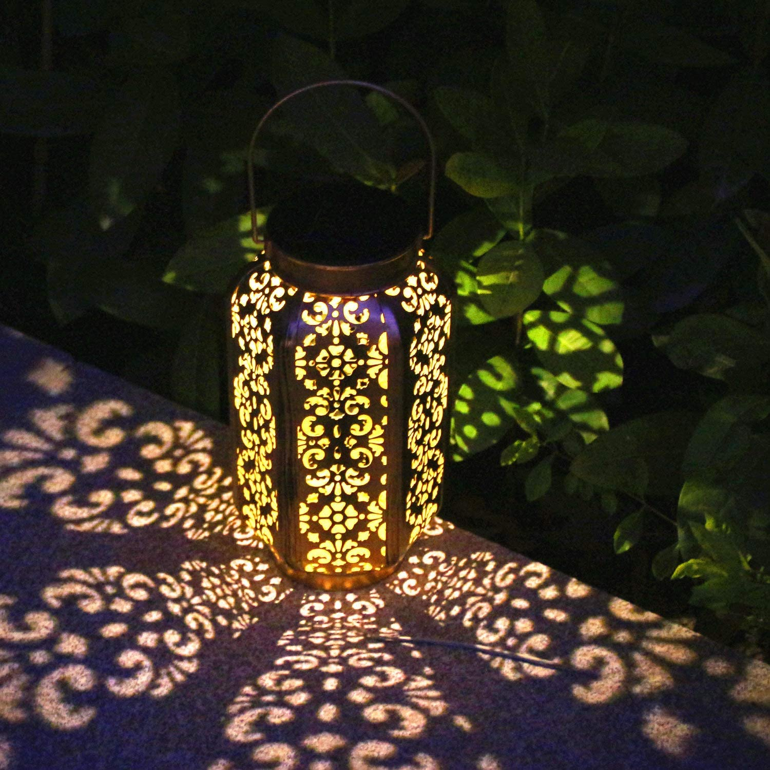 FastDeng Solar Lantern Lights for Hanging or Table Outdoor, Waterproof Solar Garden Light for Patio Yard Decorations (1 Pack)