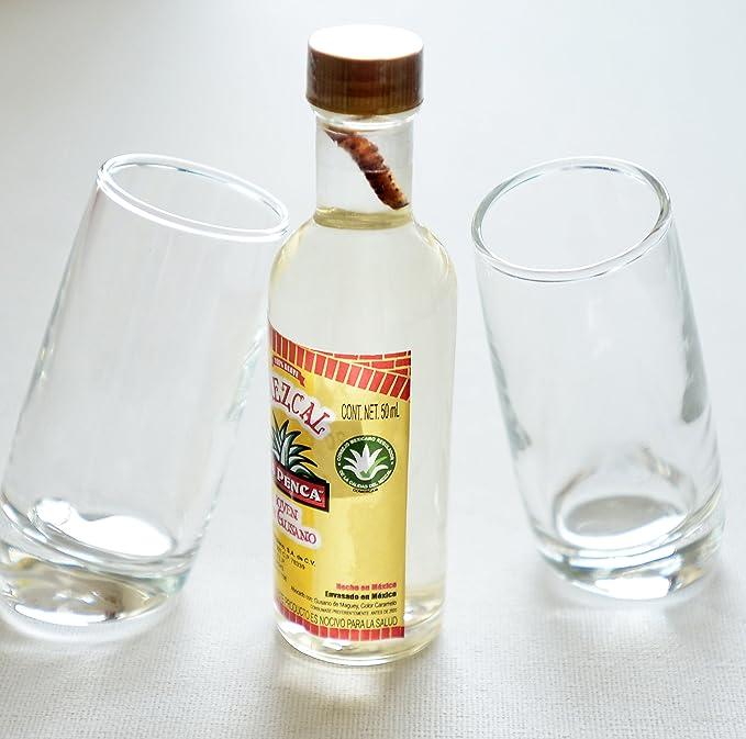Par de nombre del evento first vasos de chupito (60 ml) con Mezcal La Penca 5 cl en miniatura (con tornillo sin fin): Amazon.es: Hogar