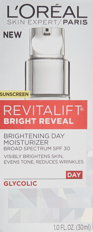 L'Oréal Paris Skincare Revitalift Bright Reveal Face Moisturizer with SPF 30, Glycolic Acid, Vitamin C and Pro-Retinol, 1 fl. oz. by L'Oreal Paris (Image #3)