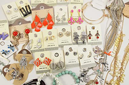 Closeout 100 Items Assorted Fashion Jewelry Wholesale Lot for Variety