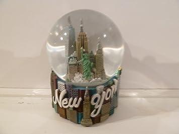 "Musical New York City Snow Globe  100mm New York City Snow Globes  5.5 Inches Tall  PLAYS /""NEW YORK  NEW YORK/"" City-Souvenirs WG037"