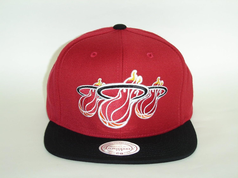 sale retailer 89624 3ec36 Amazon.com   Mitchell and Ness NBA Miami Heat Triple Stack Logo Snapback Cap    Baseball Batting Helmets   Sports   Outdoors