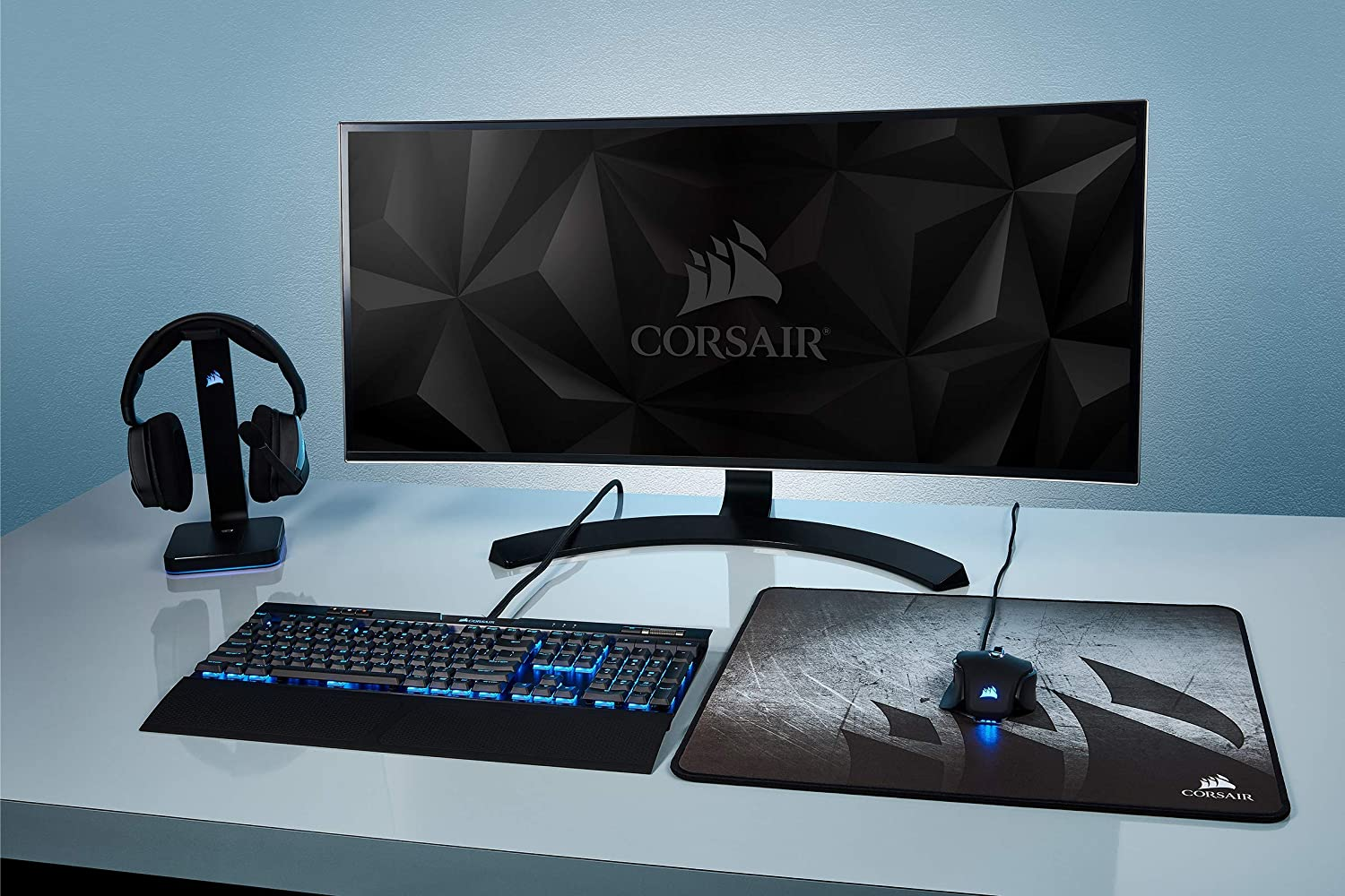 Extended Anti-Fray Cloth Gaming Mouse Pad High-Performance Mouse Pad Optimized for Gaming Sensors Corsair MM300 ,Multi color Designed for Maximum Control CH-9000108-WW