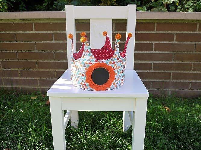 Corona de cumpleaños de tela y pizarra para niños C02TRIANGULOSNARANJA - babybookspain