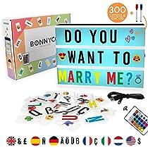 Caja de Luz A4 16 Colores con 300 Letras y Emojis, Mando, 2 Rotuladores – BONNYCO |Ñ y Ç | Cartel Luminoso LED, Ideal para Decoración y Regalo Original para Niñas, Niños