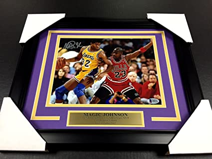 Magic Johnson Signed Picture - Vs Michael Jordan Psa 8x10 Framed Authentic  - Beckett Authentication -