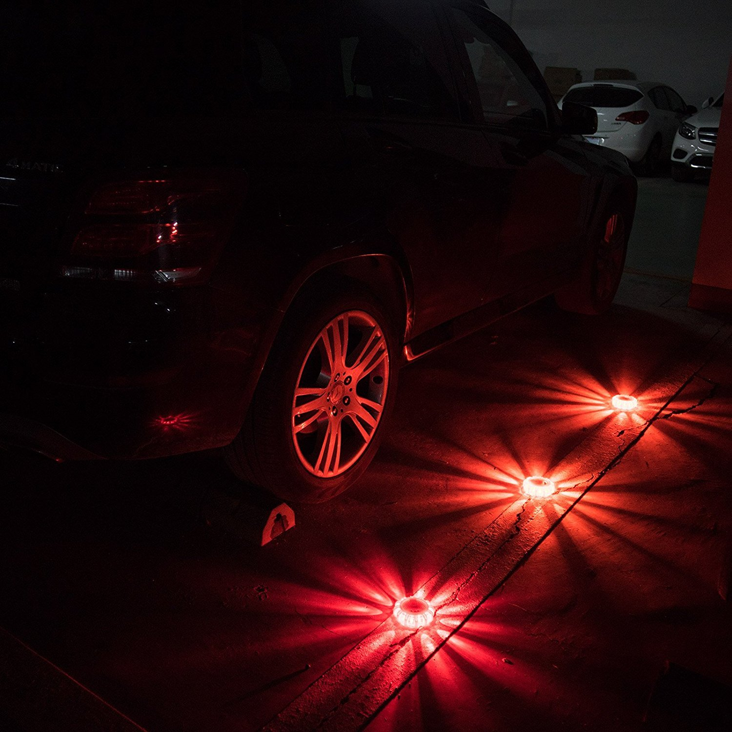 Pack of 3 Rainproof Blue Set of 3 LED Flares Emergency Roadside SOS Lights Flashing Road Beacon with Magnetic Base for Car or Marine