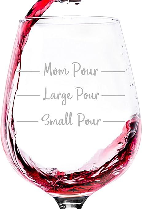 Amazon.com: Mamá pour Funny copa de vino – mejor regalo de ...