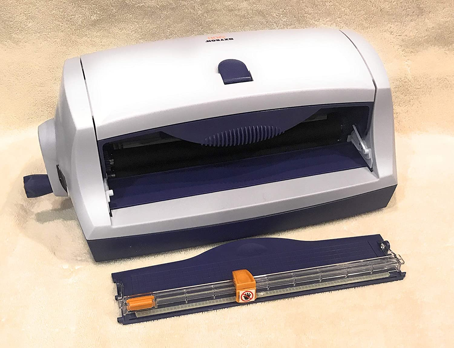 Xyron 900 Sticker/Laminate/Magnet/Label Machine 1 pcs sku# 633674MA