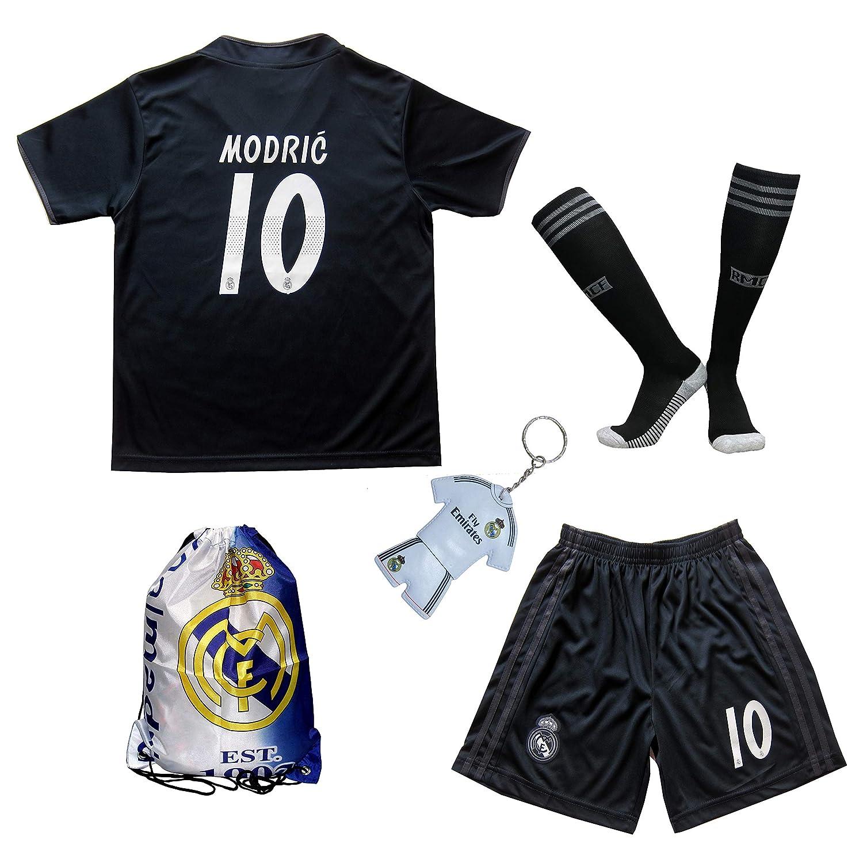 ea44d69a739 Amazon.com   GamesDur 2018 2019 Real Madrid Luka Modric  10 Away Black  Football Soccer Kids Jersey   Short   Sock   Soccer Bag Youth Sizes    Sports   ...
