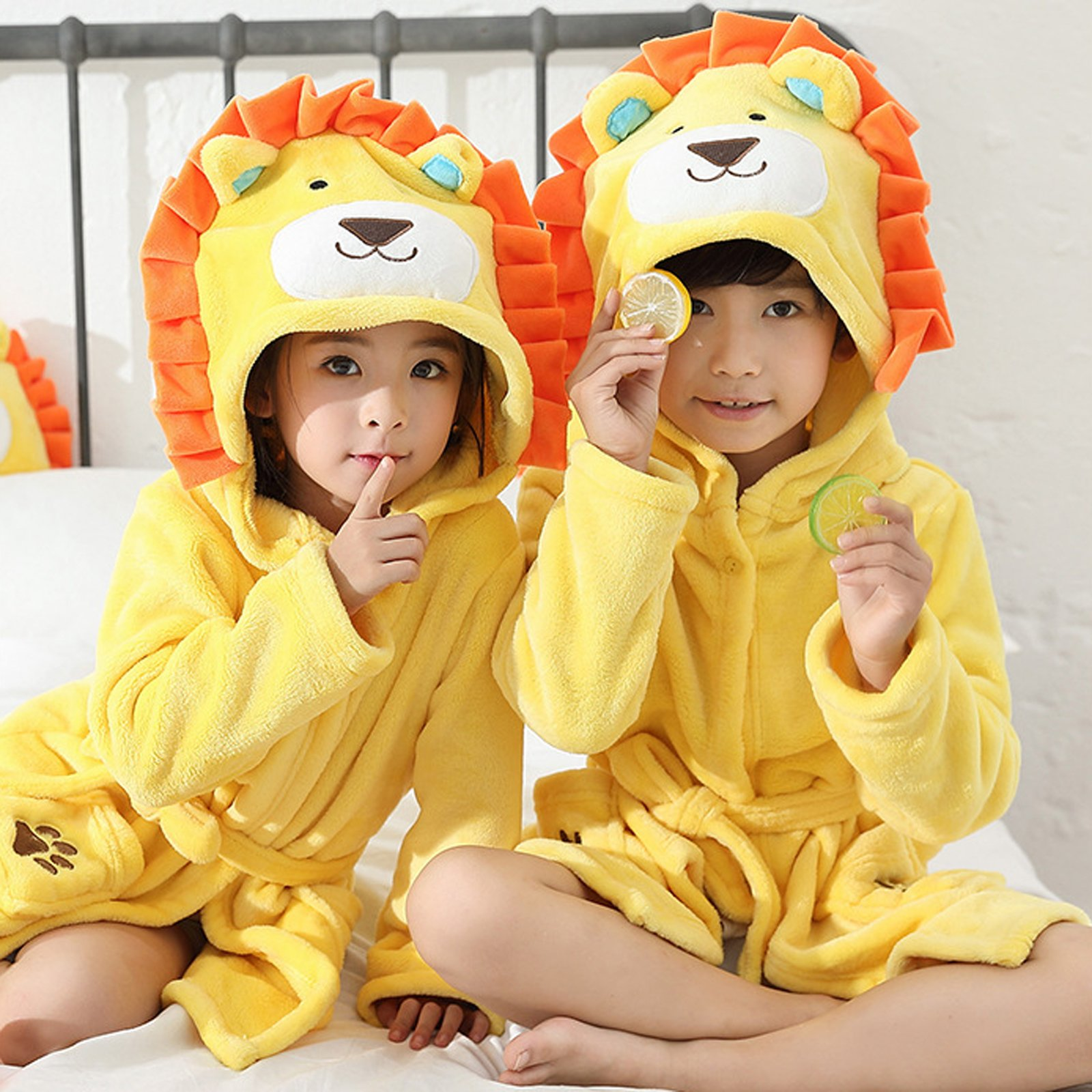 EPLAZA 3-6 Year Girl Boy Flannel Hooded Cute Animal Robe Sleepwear Kid Bathrobe Convertible Pillow (Tag 120, Yellow Lion) by EPLAZA (Image #3)