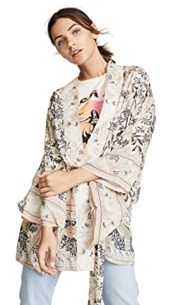 d469a48f99fc Spell and the Gypsy Collective Women's Oasis Short Kimono, Pearl, M/L at  Amazon Women's Coats Shop