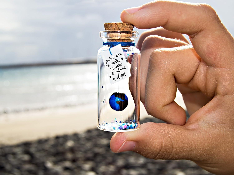 ''Eres mi mundo'' -Mensaje en una botella. Miniaturas. Regalo personalizado. Divertida postal de amor.