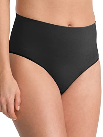 9ce86726c82 Spanx Womens Everyday Shaping Panties Brief  Amazon.co.uk  Clothing