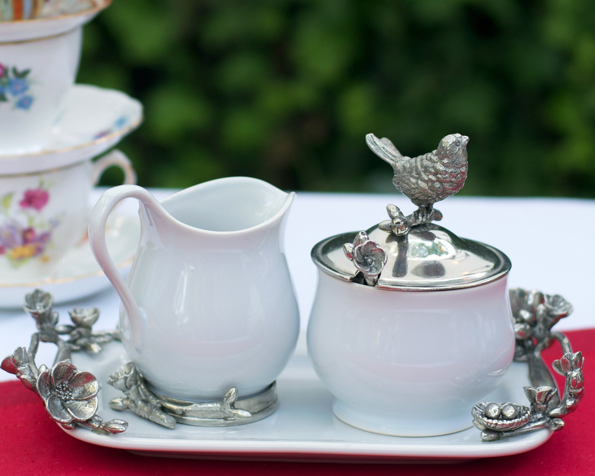 Vagabond House Stoneware Creamer Set - Pewter Song Bird 12.25'' Long Tray with Creamer, Sugar Bowl and Spoon