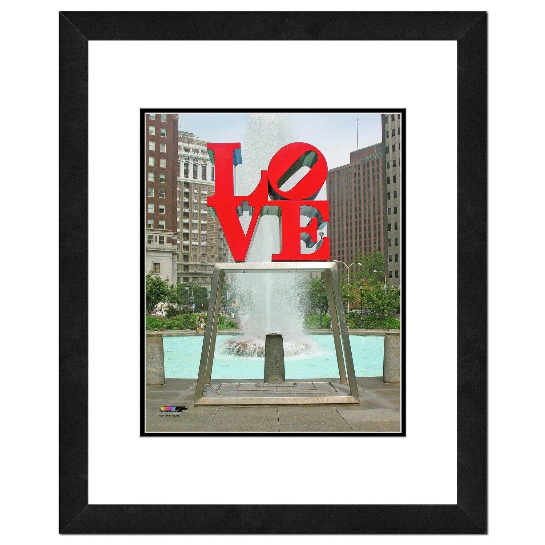Love Statue Photo