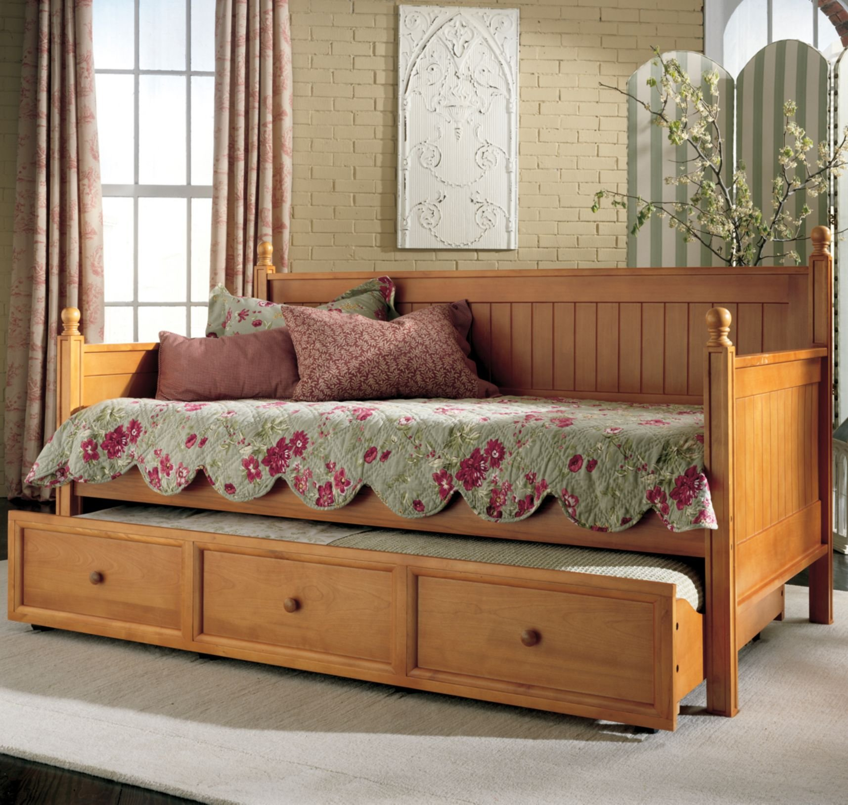 Casey Daybed Honey Maple (without Trundle) by Fashion Bed Group - Maple finish Constructed of solid hardwoods - bedroom-furniture, bed-frames, bedroom - 81d0bt%2BhkAL -
