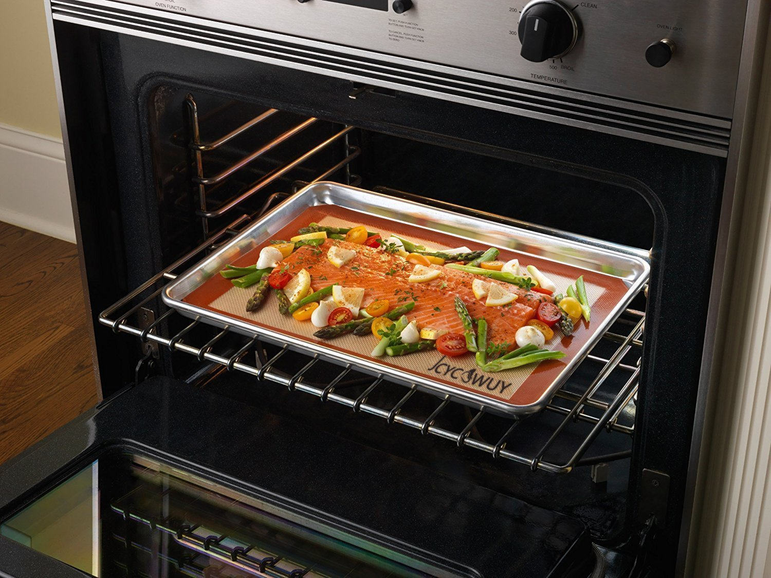 Silicone Baking Mat Set of 5 Non Stick 3 Silicone Baking Mats and 1 BBQ Grill Mat and 1 Basting Brush Professional Grade Non Stick Baking Sheet for Bake Pans & Rolling Silicone Oven Mat Baking Sheet 4 ❤This baking sheet is suitable for oven, microwave and refrigerator. Can be used at temperatures varying from -40 degree to 500℉ (260°C). High quality and durable, can be reused for up to 4000 times ❤Non-stick, easy to clean, just wash with soap and water, rinse, shake off water and air dry. No oil, sprays or parchment paper needed ❤Made with silicone-coated fiberglass mesh, these professional-grade mats provide evenly spreaded heating. You get consistent, delicious results - no burned or undercooked spots!