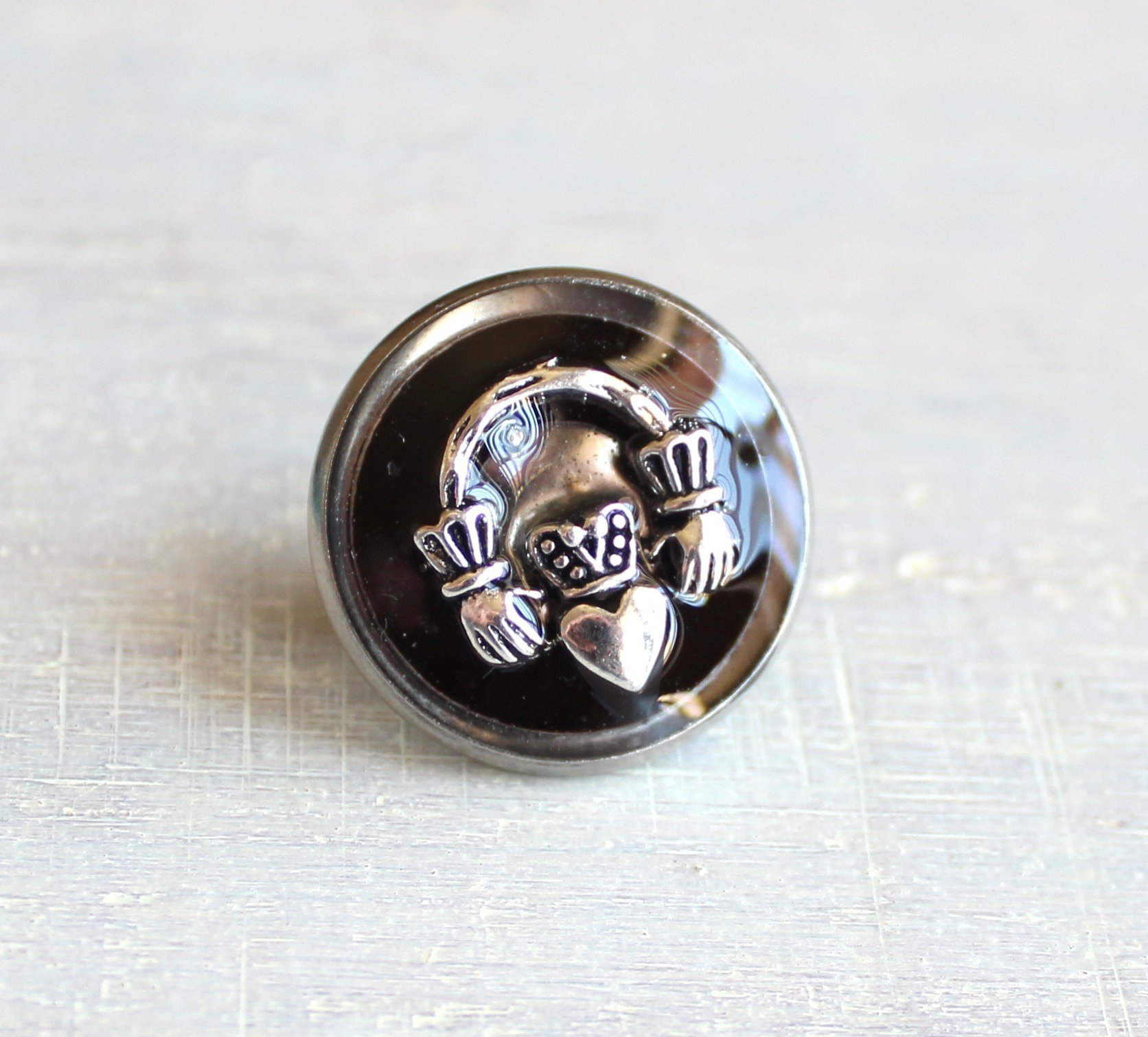 Black Claddagh tie tack / lapel pin.