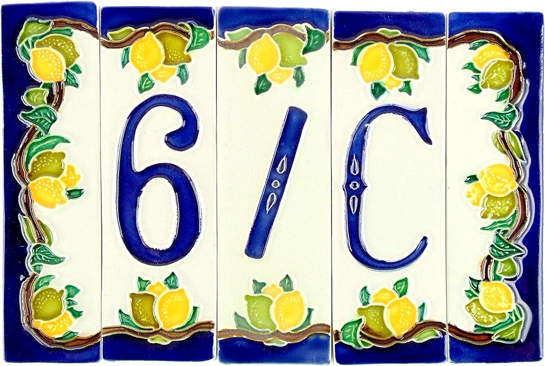 Num/éros de maison en c/éramique num/éro de maison en c/éramique avec motif citrons Dimensions : H 15 cm largeur totale 22,5 cm. objet en c/éramique pour ext/érieur color/é /à la main nl4