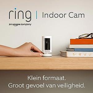 Ring Indoor Cam, compacte plug-in-HD-beveiligingscamera met tweeweg-audio | Inclusief proefabonnement van 30 dagen op Ring Protect Plus | Wit