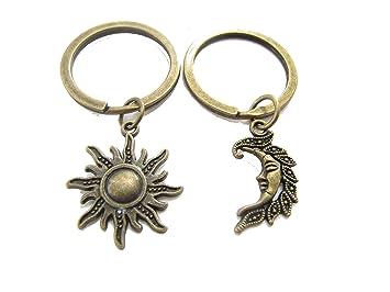 Amazon.com: Sol y Luna Llavero, Parejas llavero, llavero de ...