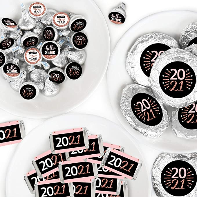 Round Candy Stickers and Circle Stickers Mini Candy Bar Wrappers 304 Pieces Girls Makeup Party Candy Favor Sticker Kit Big Dot of Happiness Spa Day