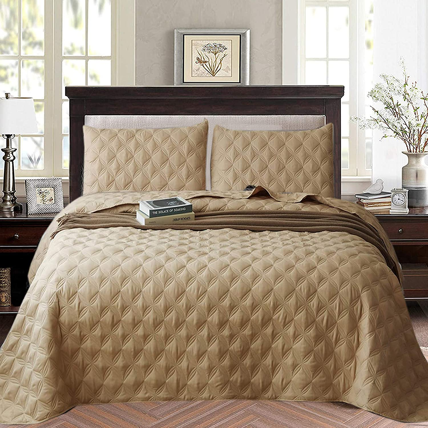 Exclusivo Mezcla 3-Piece Queen Size Quilt Set with Pillow Shams, as Bedspread/Coverlet/Bed Cover
