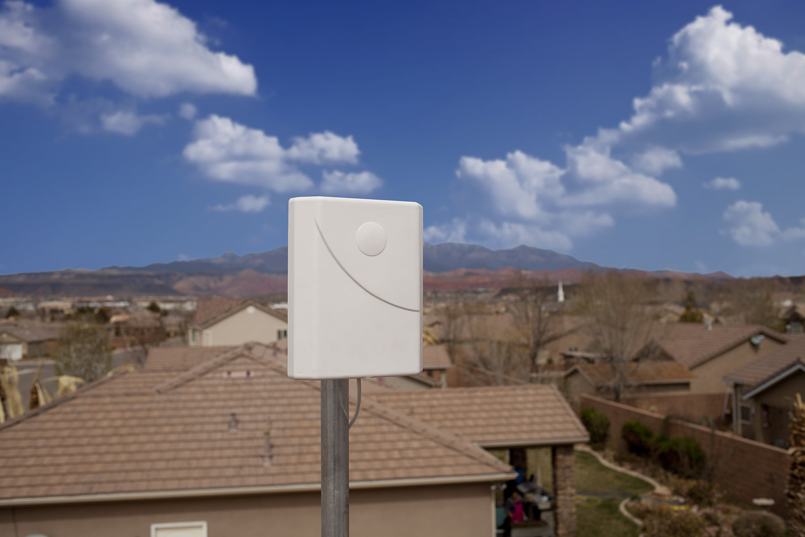 weBoost Home 3G Cell Phone Signal Booster Kit for Home and Office – Enhance Your Signal up to 32x. Can Cover up to 1500 sq ft or Small Home. For Multiple Devices and Users. by weBoost (Image #3)