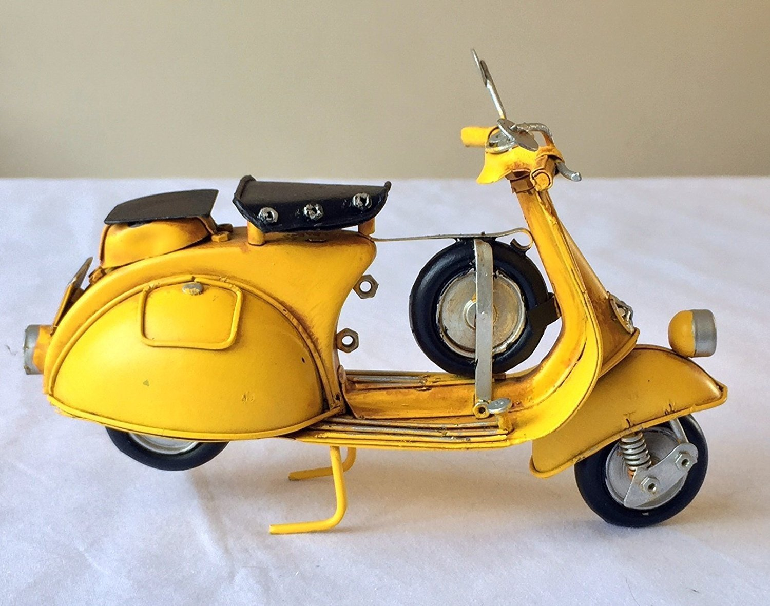 FandG Supplies Lovely large vintage retro metal Scooter Vespa Mod Bike Model 18cm long SIL Cream great gift ornament for a shelf or a desk!