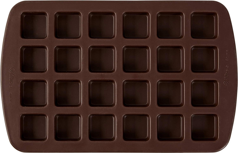 Amazon Com Wilton Bite Size Brownie Squares Silicone Mold 24 Cavity Silicone Bakeware Kitchen Dining