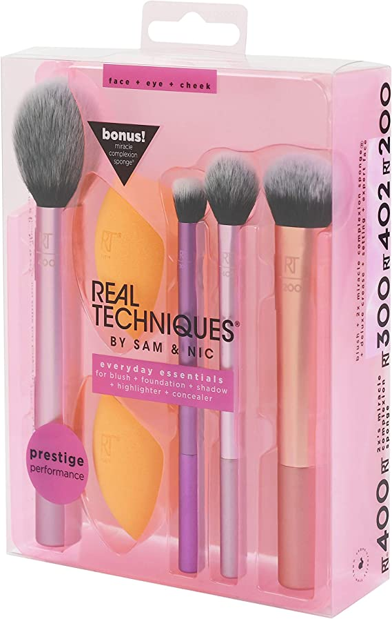 Real Techniques Everyday Essentials - Juego con esponja, brochas y pinceles de maquillaje, esponja extra, exclusivo de Amazon: Amazon.es: Belleza