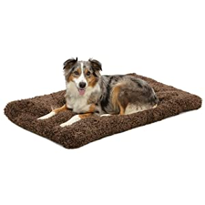 MidWest Homes for Pets Deluxe Pet Beds | Super Plush Dog & Cat Beds Ideal for Dog Crates | Machine Wash & Dryer Friendly w/ 1-Year Warranty