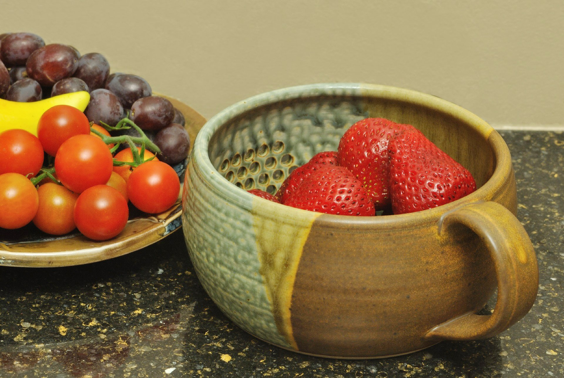 GW Pottery Handmade Stoneware Berry Bowl/Colander, Blue-White by Geoff Walsh Pottery (Image #5)