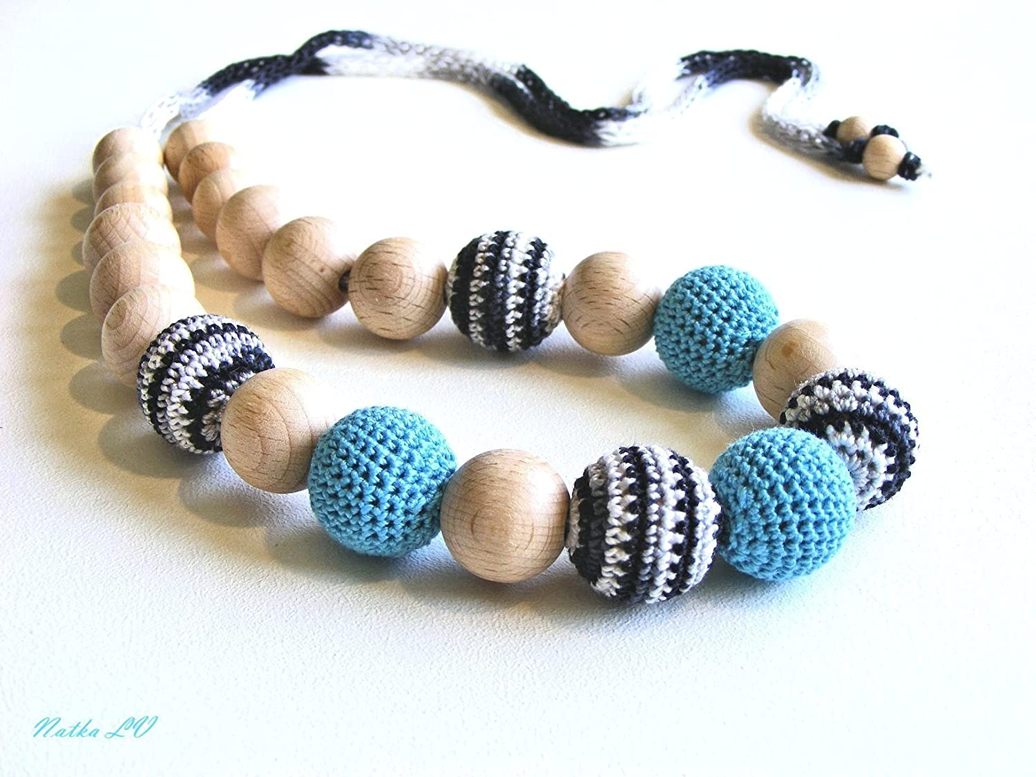 Teething necklace in light blue, black, white, nursing necklace, breastfeeding, crochet wooden necklace, women's jewelry, natural, mom's necklace women's jewelry mom's necklace