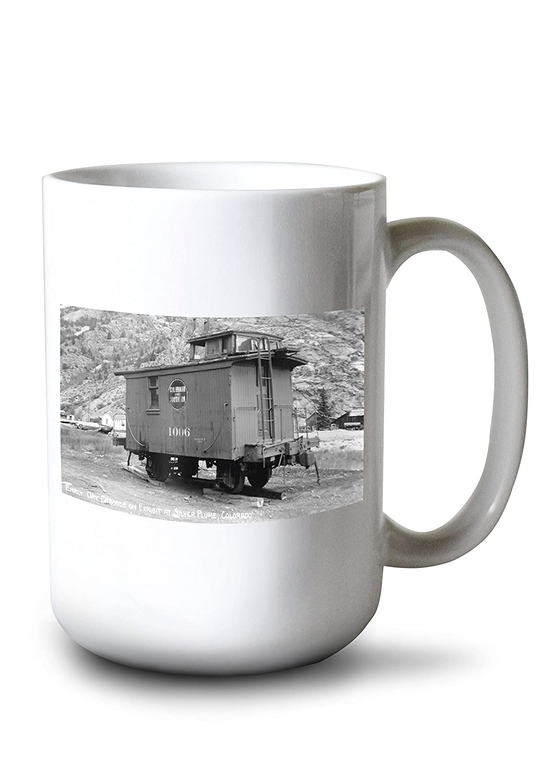 シルバーPlume、コロラド – 鉄道乗務員車on exhibit写真 15oz Mug LANT-3P-15OZ-WHT-32072 B077S1TRS6  15oz Mug