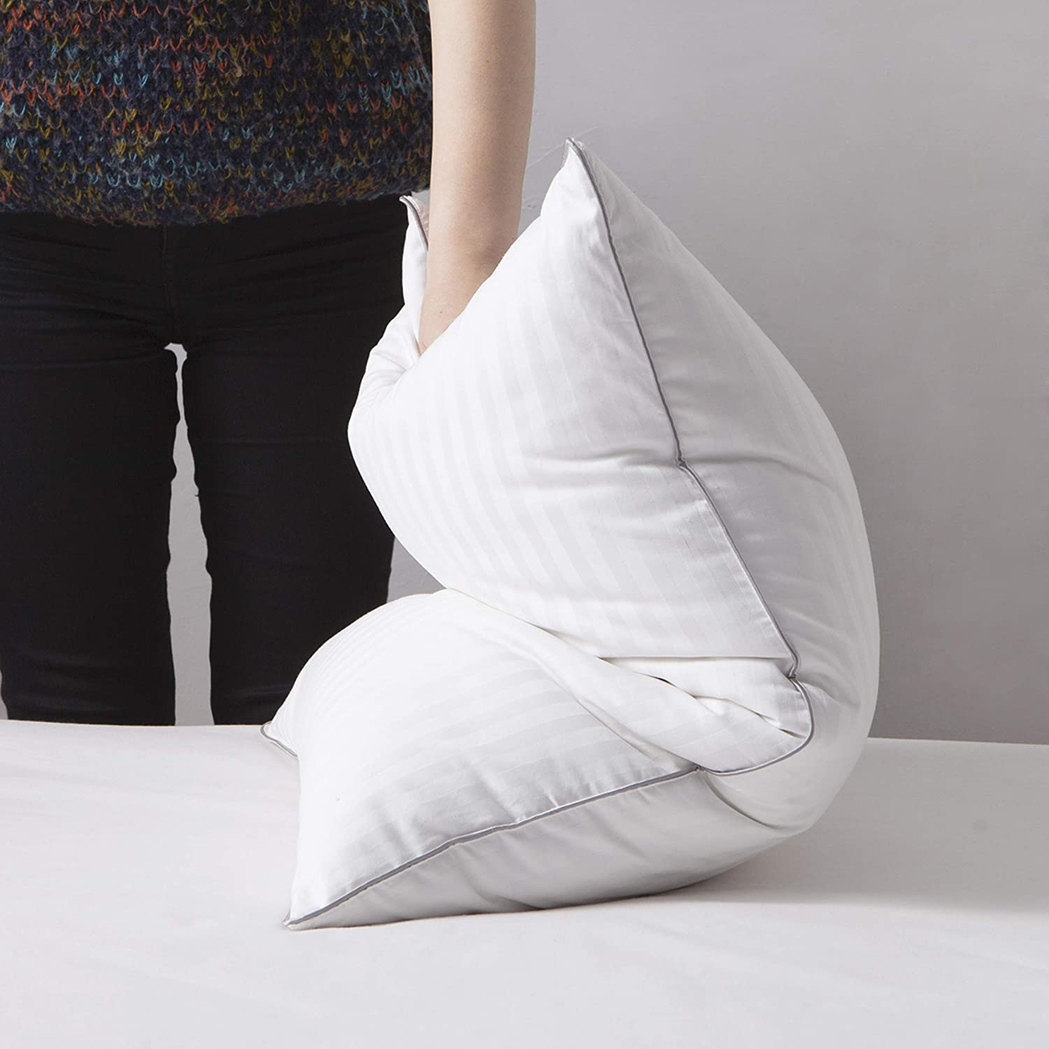 L LOVSOUL Goose Down Pillow,White Down Pillow Queen Size Pillow for Sleeping 1000 Thread Count 100% Egyptian Cotton Cover-20x28Inches
