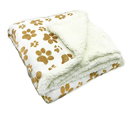 3c532932e0 Amazon.com  Longrich Indented Paw Print Flannel Throw Blanket