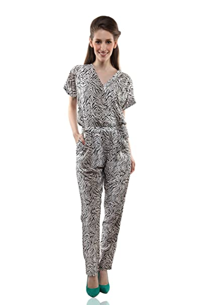 bc0bdd3bde7 Miss Chase Women s Crepe Straight Jumpsuit (MCAW14D04-03-98 Black and  White X-Small