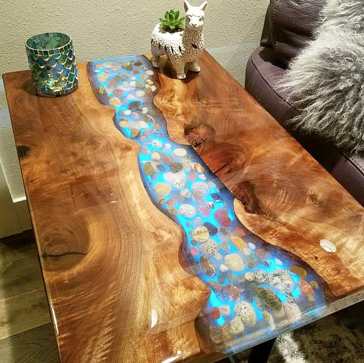crystal clear bar table top epoxy resin coating for wood. Black Bedroom Furniture Sets. Home Design Ideas