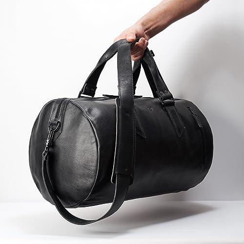 63e88732509b Amazon.com  Capra Leather Duffle Bag 25L for Men