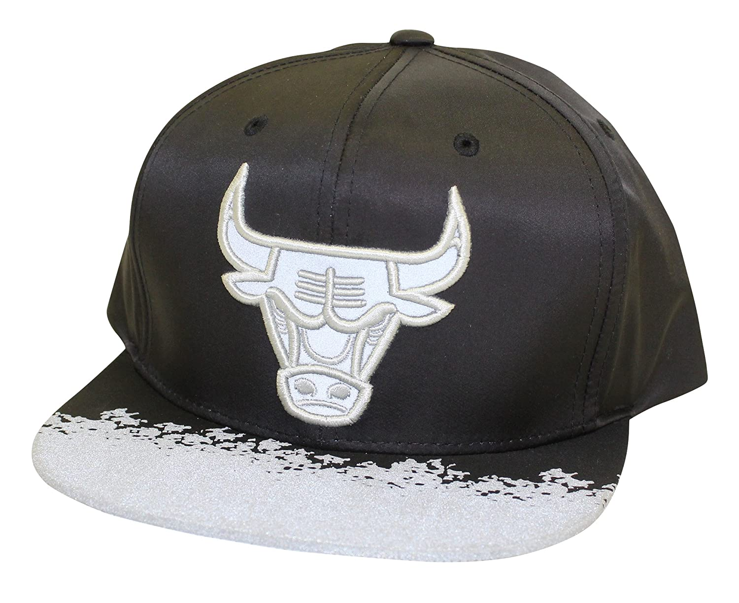 new concept 15496 a122b Mitchell   Ness Men s NBA Chicago Bulls Reflective Lava Snapback Hat,  Black, One Size at Amazon Men s Clothing store