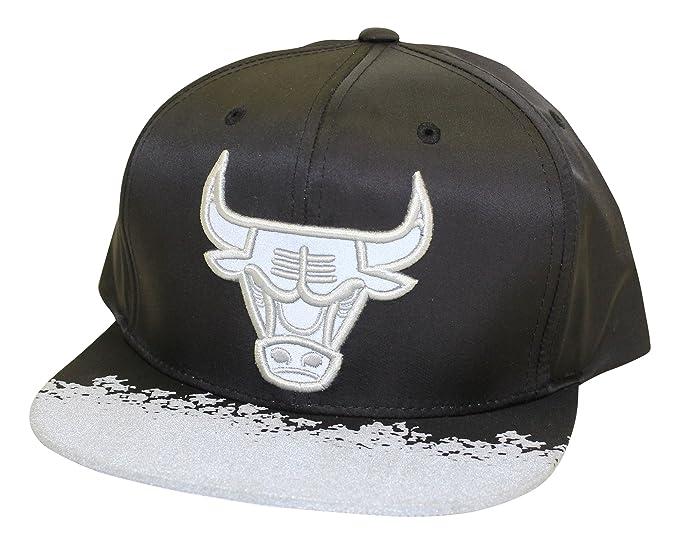 Mitchell   Ness Men s NBA Chicago Bulls Reflective Lava Snapback Hat ... c4bdd83d5dab