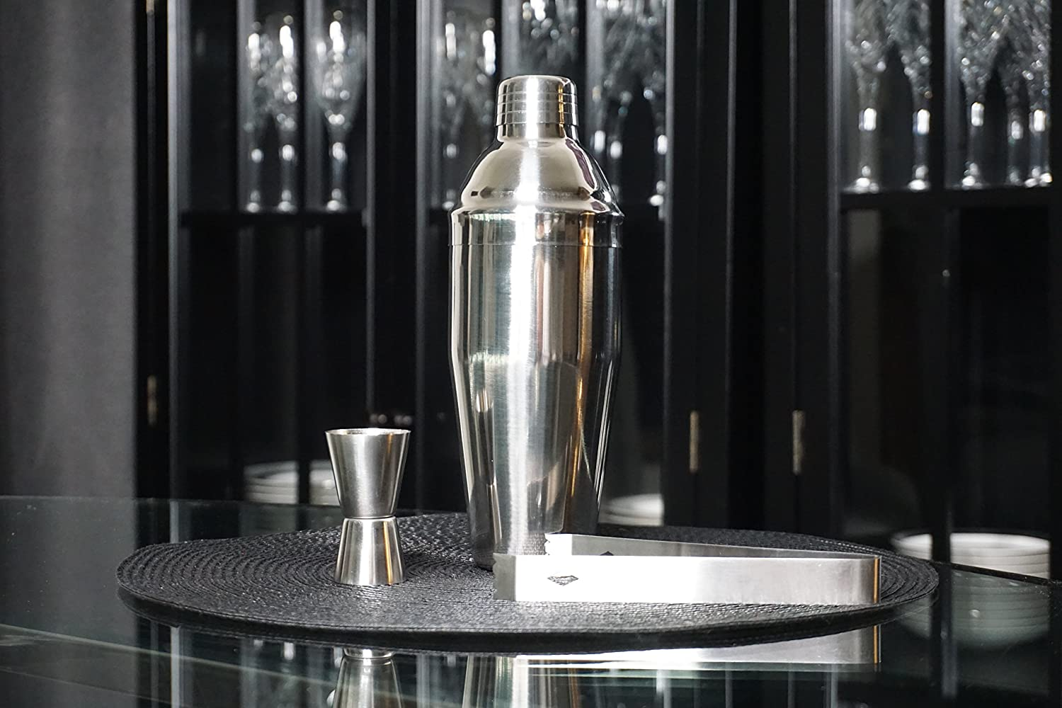 b34223eabfd8 Amazon.com  Luxury 3-Piece Home Bar Set - Large 24 oz (750 mL) Professional  Cobbler Cocktail Shaker with Built-in Strainer