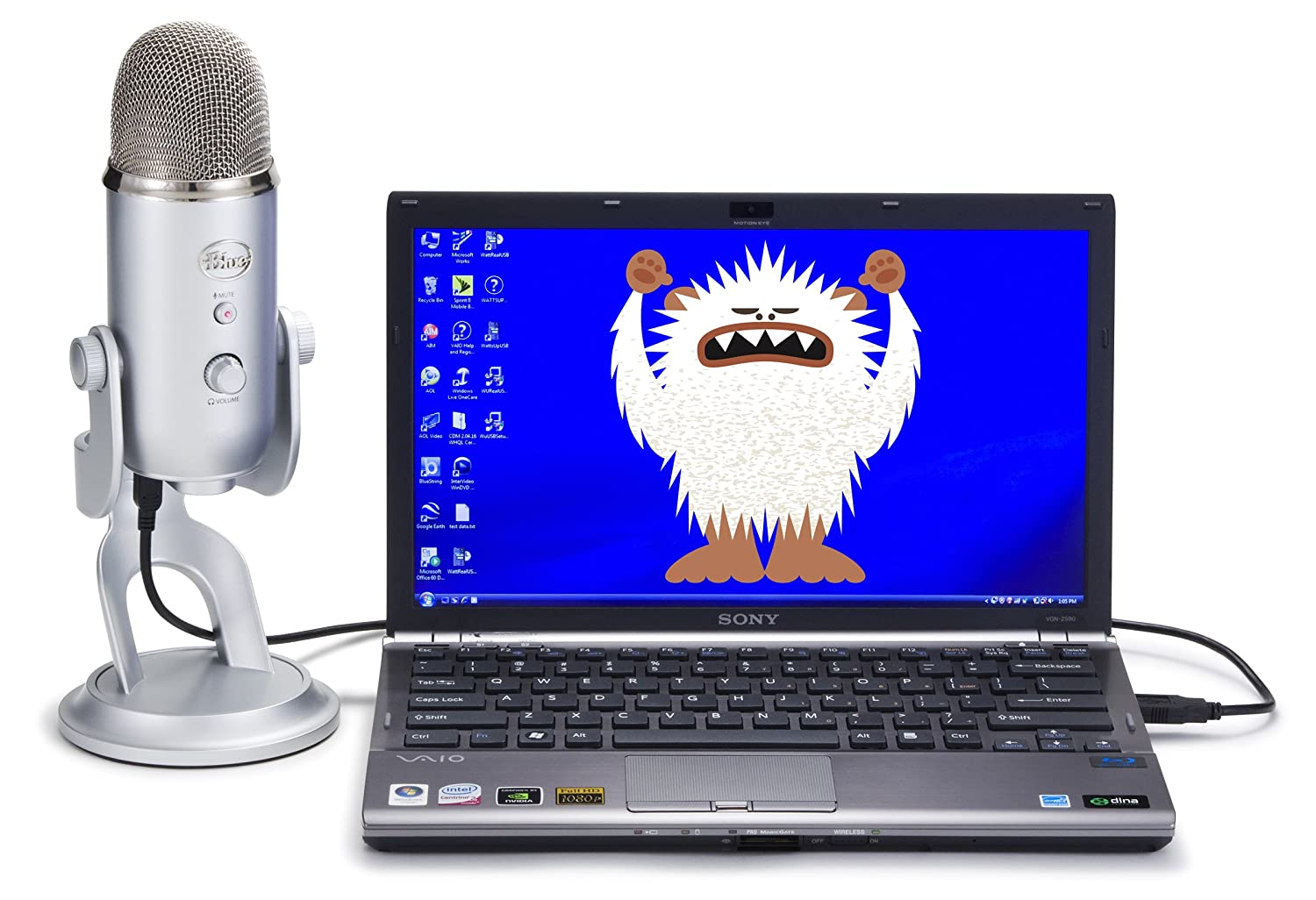 stampy-blue-yeti-mic-plugged-into-laptop